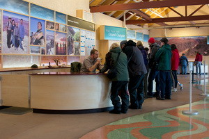 Grand_Canyon_Visitor_Center,_interior 300 x 200