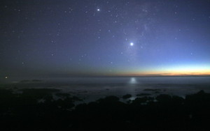Venus-pacific-levelled-night sky-from the seashore 320 x 200